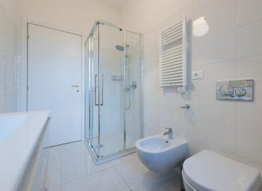 Bagno privato camera blu del bed and breakfast in centro Firenze La Marmora 39